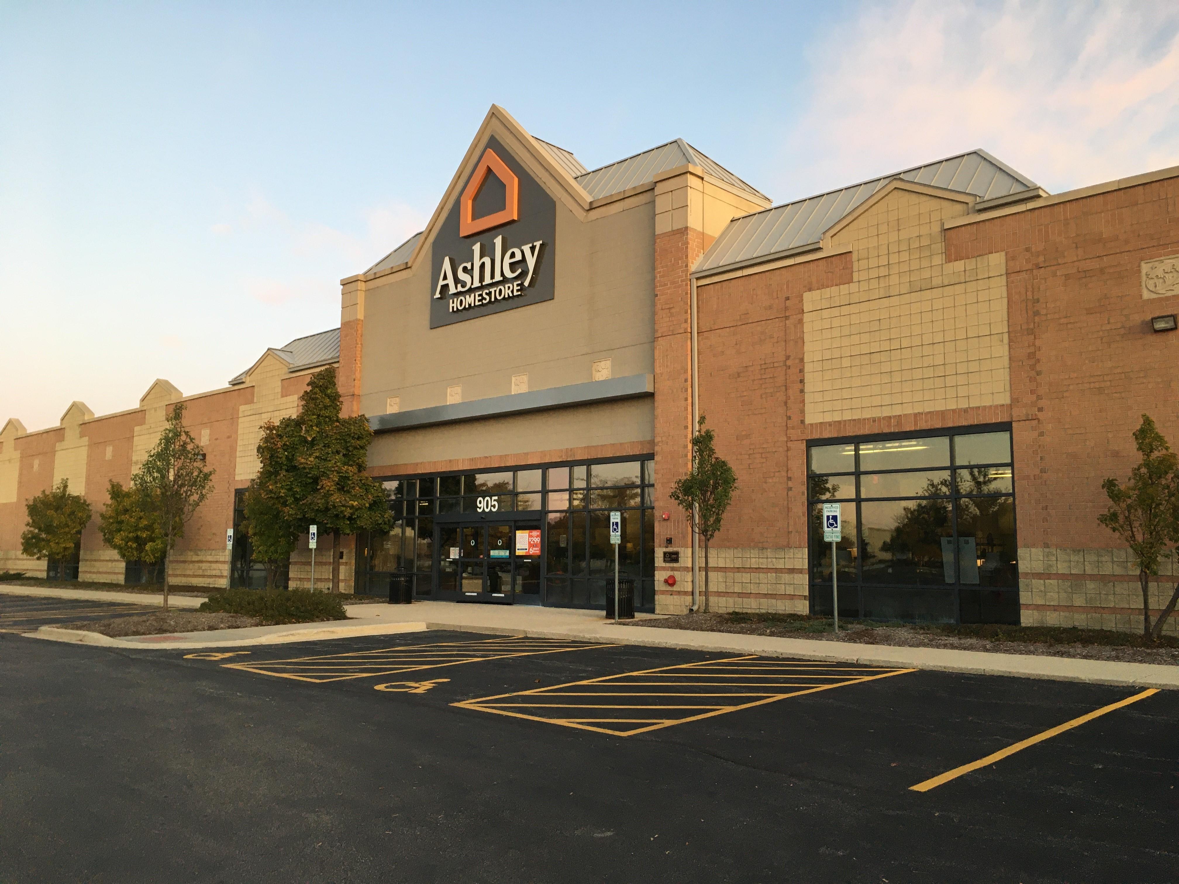 furniture and mattress store at 905 perimeter dr schaumburg il ashley homestore ashley homestore ashley furniture