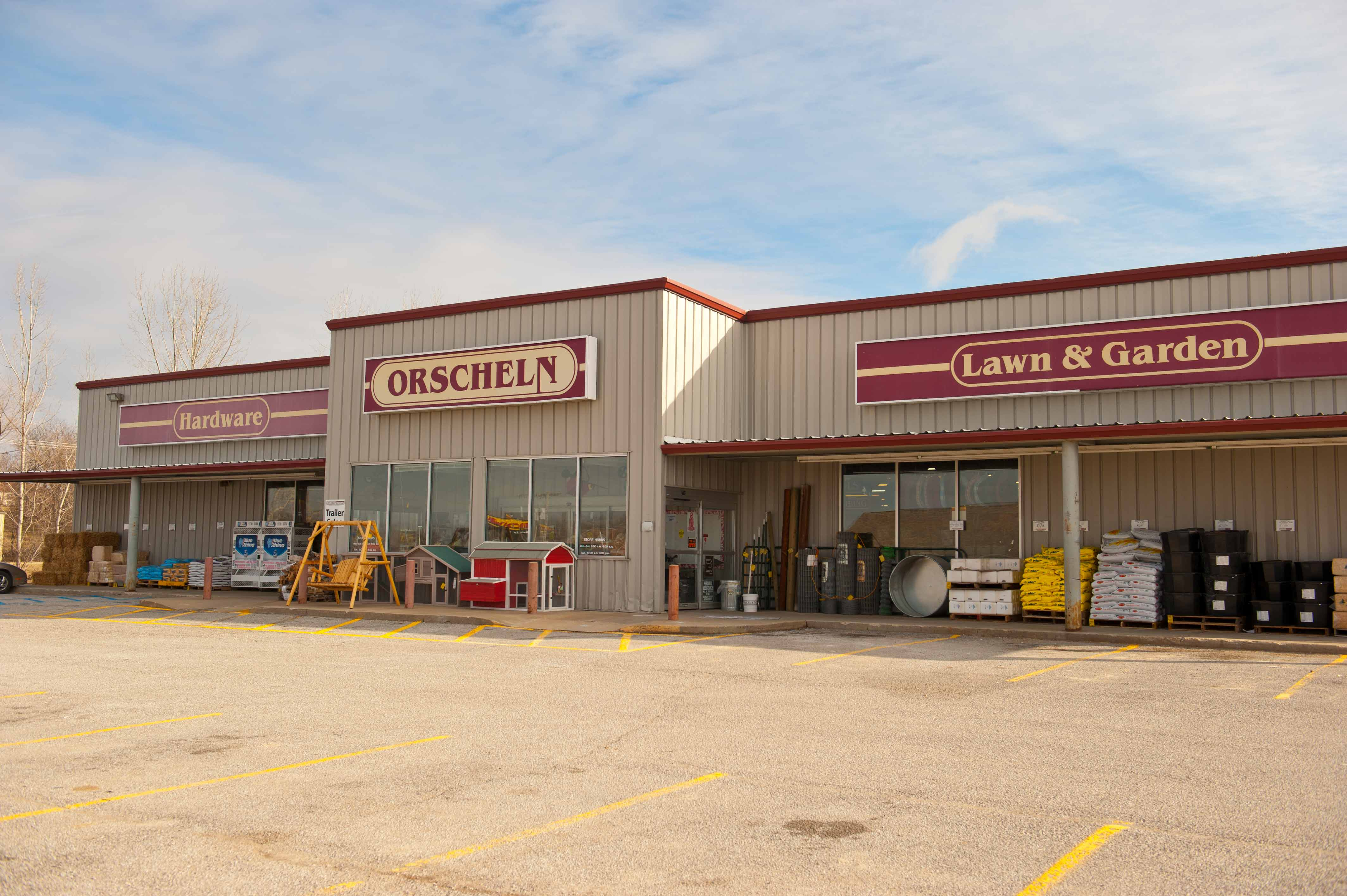 Front view of Orscheln Farm & Home Store in Carrollton, Missouri 64633