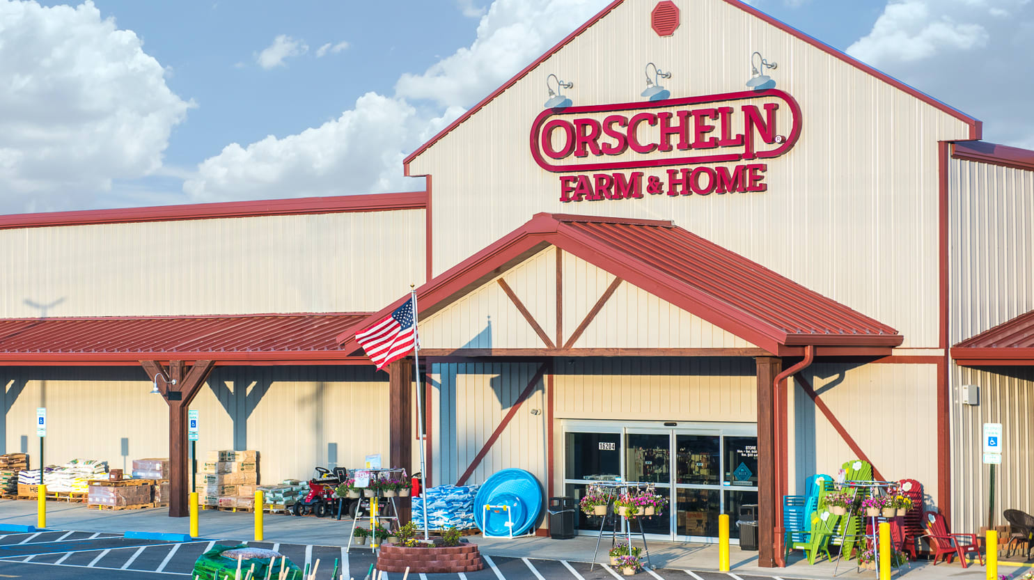 Front view of Orscheln Farm & Home Store in Montgomery City, Missouri 63361-1426