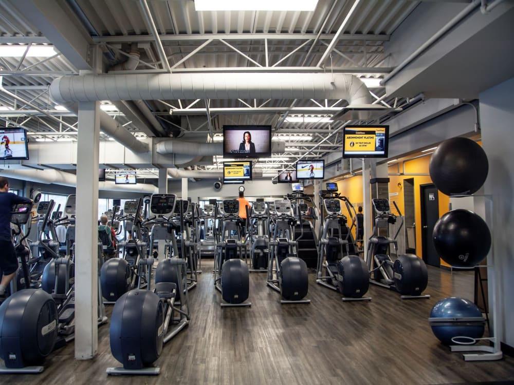ÉconoFitness Montréal - Villeray (Métropolitain) Extra gym