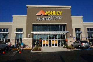 Sarasota, FL Ashley Furniture HomeStore 102175