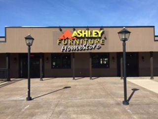 Vernon, BC Ashley Furniture HomeStore 95138
