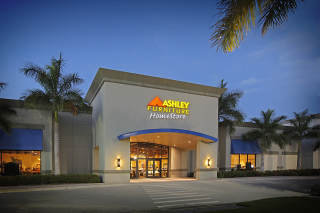 Naples, FL Ashley Furniture HomeStore 93795