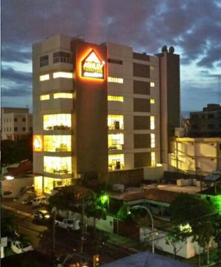 Santo Domingo, Distrito Nacional Ashley Furniture HomeStore 7777600