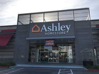 Emeryville, CA Ashley Furniture HomeStore 27