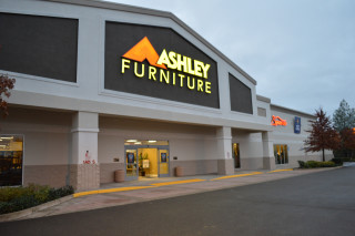 Redding, CA Ashley Furniture HomeStore 102122