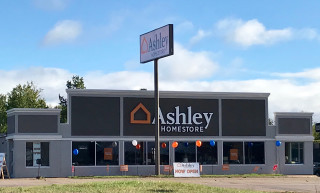 Marquette, MI Ashley Furniture HomeStore