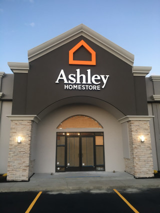 Paducah, KY Ashley Furniture HomeStore