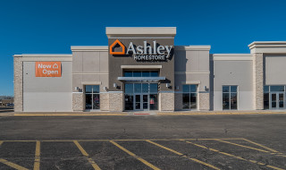 East Peoria, IL Ashley Furniture HomeStore