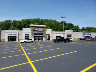 Pittsburgh, PA Ashley Furniture HomeStore