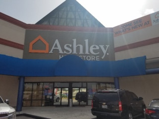 Humble, TX Ashley Furniture HomeStore 93978