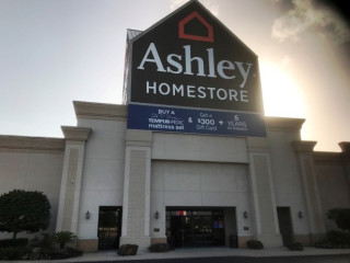 Woodland, TX Ashley Furniture HomeStore 52_277
