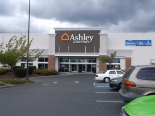 Silverdale, WA Ashley Furniture HomeStore 93758
