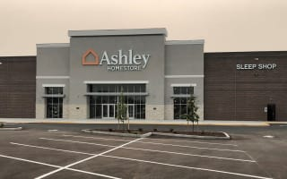 Medford, OR Ashley Furniture HomeStore 92283
