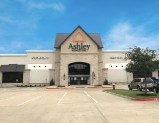College Station, TX Ashley Furniture HomeStore 93400