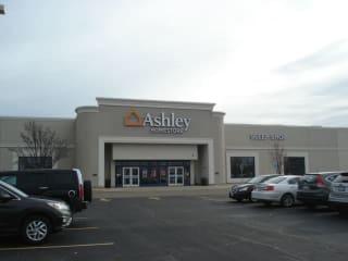 Broadview, IL Ashley Furniture HomeStore 94589