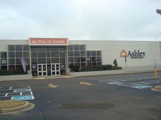 Memphis, TN Ashley Furniture HomeStore 92392