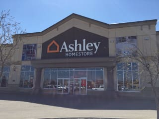 Lethbridge, AB Ashley Furniture HomeStore 93463