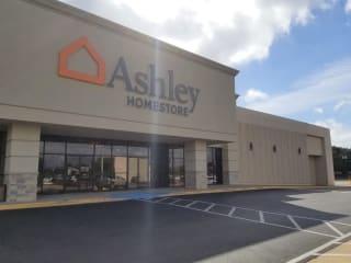 Tyler, TX Ashley Furniture HomeStore 95016