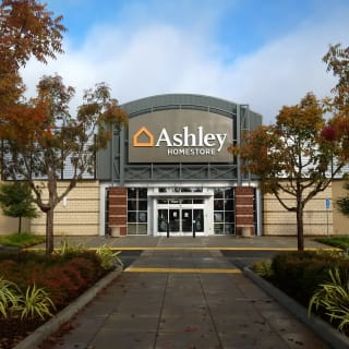 Superbe Ashley Furniture HomeStore