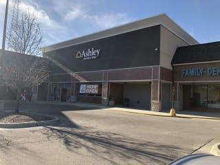 Furniture And Mattress Store At 3330 N Western Ave Chicago Il Ashley Homestore Zip code 60618 is located in the state of illinois in the chicago metro area. furniture and mattress store at 3330 n