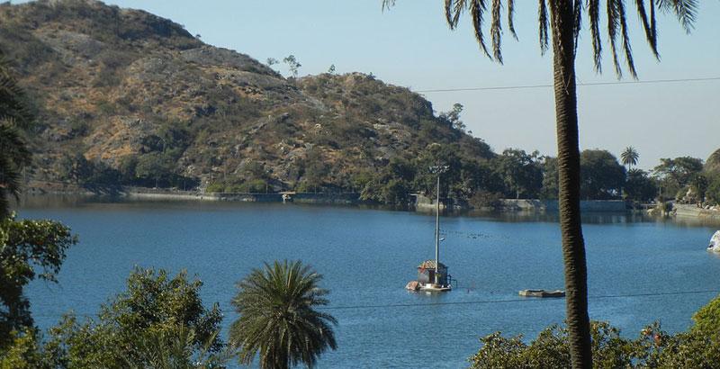 Backwaters with Taj