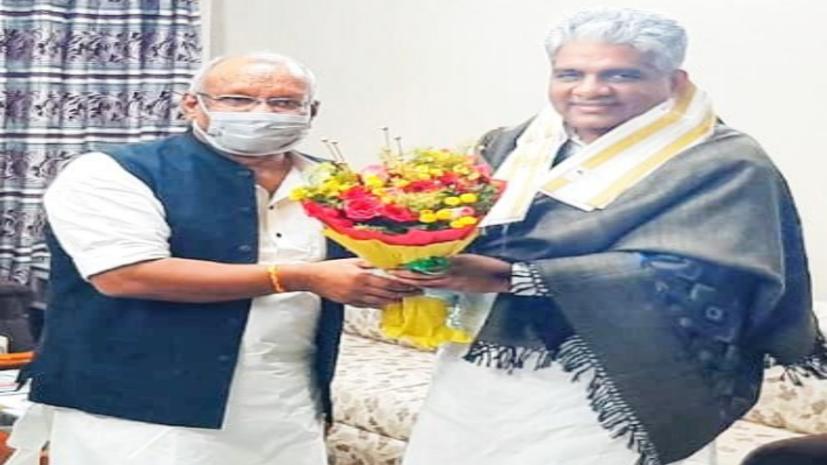BJP प्रभारी भूपेन्द्र यादव पहुंचे पटना,पार्टी नेताओं के साथ करेंगे बैठक...विप उम्मीवारों के नाम पर होगी चर्चा!