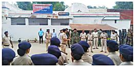 बिहार के जेलों में एकसाथ चली बड़ी छापेमारी, सैकड़ों मोबाइल फोन,शराब और प्रतिबंधित सामान बरामद