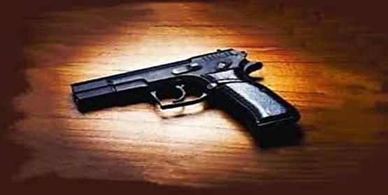 जदयू सांसद के भतीजे की गोली लगने से मौत,रायफल साफ करने के दौरान हुआ फायर