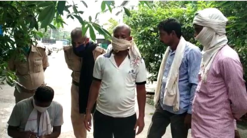 तीन दिन से लापता किसान की इस हाल में मिली लाश, परिजनों ने भाइयों पर हत्या का लगाया आरोप