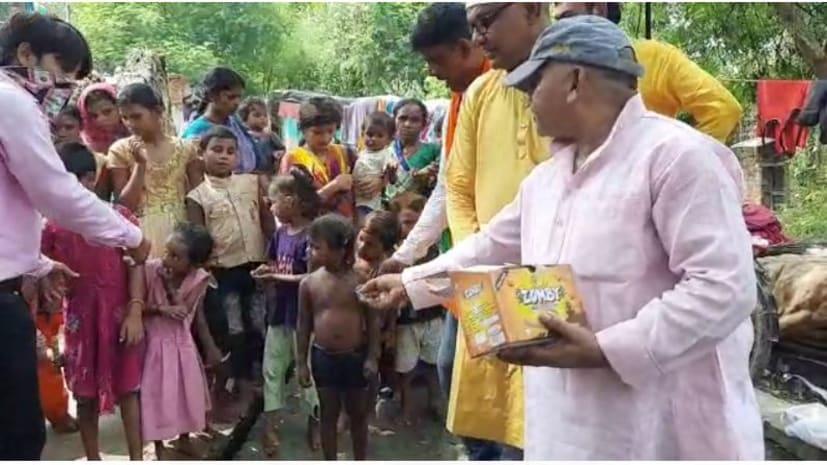 सासाराम में मनाया गया प्रधानमन्त्री का 70 वां जन्मदिन, पठन-पाठन सामग्री का किया गया वितरण