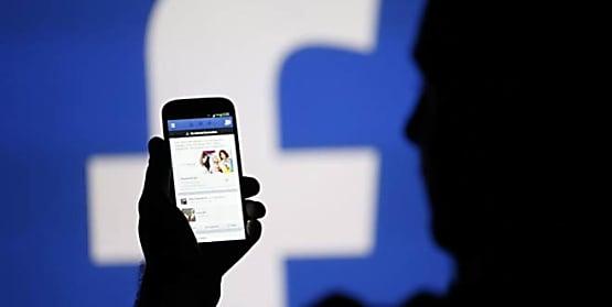 फेक अकाउंट के बाद अब फेक फोटो और वीडियोज को Facebook करेगा डिलीट