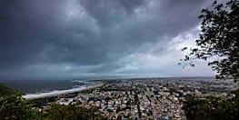 फानी का तांडव, 3 की मौत, बंगाल की ओर बढ़ा चक्रवाती तूफान