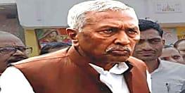 बिहार विधानसभा चुनाव 2020: राज्यपाल फागू चैहान ने डाला वोट, लोगों से की अपील, कहा- लोकतंत्र के पर्व में हिस्सा लें