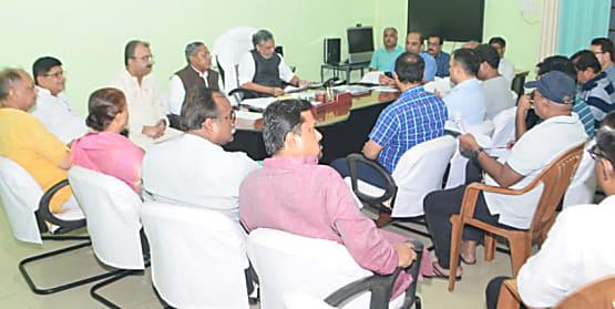 पटना की हालात पर सीएम और डिप्टी सीएम अलग-अलग ले रहे बैठक!  सुशील मोदी ने आज बीजेपी कोटे के मंत्रियों-विधायकों और अधिकारियों के साथ की मीटिंग