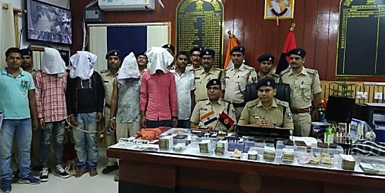 शिवहर यूको बैंक लूटकांड का पुलिस ने किया पर्दाफाश, 30 लाख रुपयों के साथ 6 को किया गिरफ्तार
