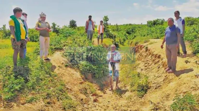 बिहार के दूसरे दशरथ मांझी, गरीबी दूर करने के लिए खोदी 5 किमी नहर