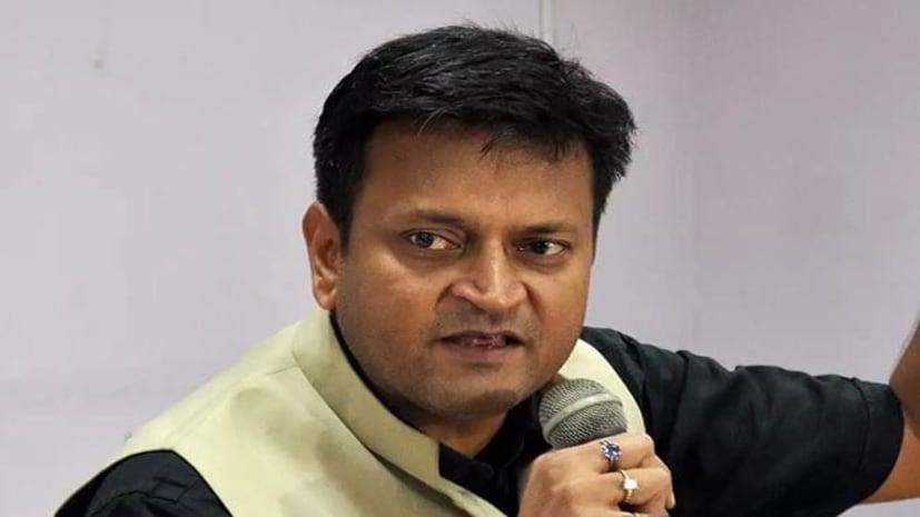 कहीं पे निगाहें कहीं पे निशानाः जेडीयू नेता अजय आलोक का धर्मनिरपेक्ष हिंदू नेताओं पर बड़ा अटैक,कहा...