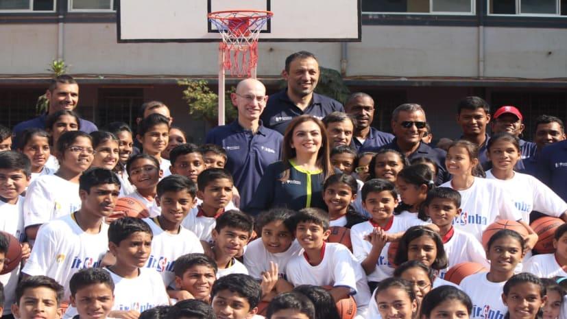 नीता अंबानी एनबीए को भेंट करेंगीं सेरीमोनियल 'मैच बॉल', रिलायंस फाउंडेशन भारत में एनबीए के साथ मना रहा छह वर्षो की भागीदारी