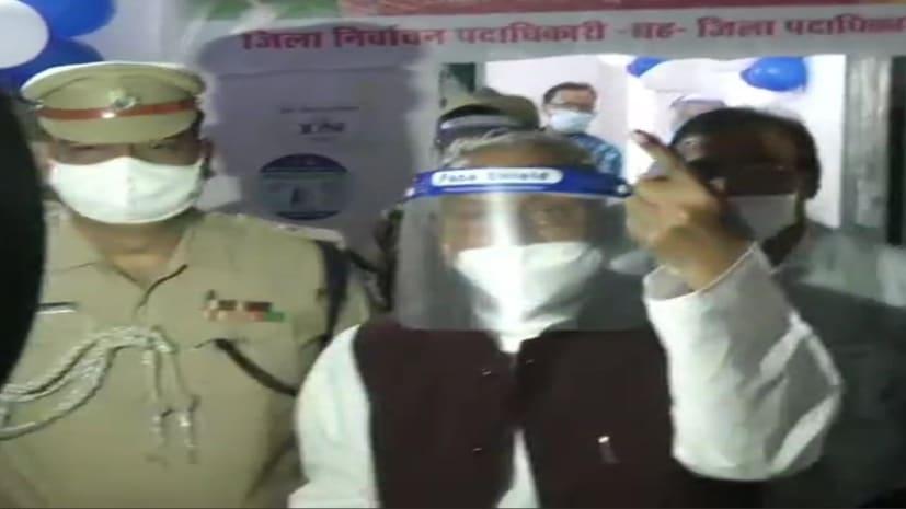 राज्यपाल फागू चौहान ने किया मतदान,वोटरों से अधिक से अधिक वोट करने की अपील...