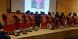पटना की अनपढ़ महिलाओं के म्यूजिक बैंड पर बनी डॉक्यूमेंट्री फिल्म 'वुमनिया'