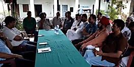 नगर थाने में हुई शांति समिति की बैठक, पूर्व विधायक ने वर्ग विशेष पर लगाया मारपीट का आरोप