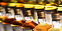 शराब का अवैद्य कारोबार : खेत में लावारिस हालत में मिला 181 बोतल शराब