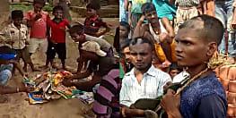 नवादा में देवी-देवताओं का पोस्टर जलाते विडियो वायरल, ग्रामीणों ने आरोपियों का सिर मुड़ाकर गाँव में घुमाया