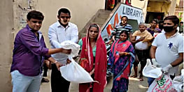 लॉक डाउन में वार्ड पार्षद दिलीप कुमार ऐसे कर रहे गरीबों की मदद, गरीब परिवारों को मुहैया करा रहे हैं राशन पानी