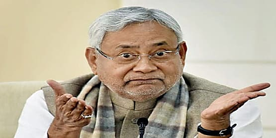 नीतीश सरकार पैसा भी खर्च नहीं कर पा रही......और दावा है कि भारत से भी अधिक है बिहार का वार्षिक वृद्धि दर