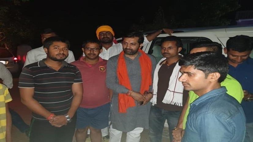 पाटलिपुत्र से निर्दलीय प्रत्याशी राजेश सिंह ने किया कई इलाकों का दौरा, अन्य पार्टी नेताओं पर जमकर बरसे
