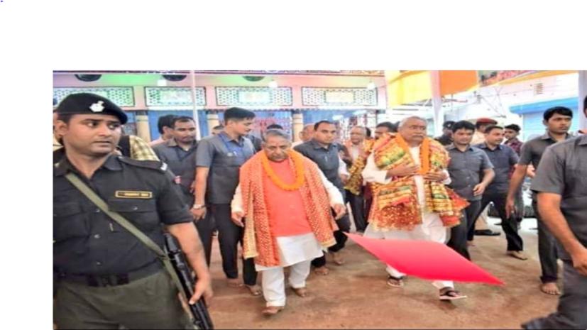 जदयू प्रवक्ता तय कर लें... CM नीतीश का पहले चप्पल चाटेंगे या तलवा,बीजेपी नेता ने मुख्यमंत्री की तस्वीर शेयर कर पूछा,पढ़िए पूरी खबर