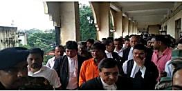 विधायक ढुल्लू महतो समेत पांच को डेढ़ वर्ष की सजा, सरकारी काम में बाधा पहुंचाने का मामला