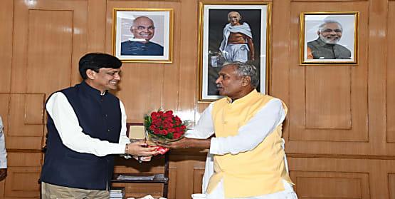 केंद्रीय गृह राज्य मंत्री पहुंचे राजभवन, राज्यपाल फागू चौहान से की मुलाकात..